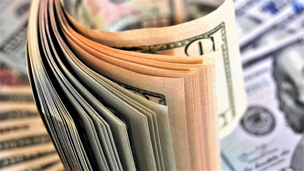 Itaú agora permite enviar dinheiro via WhatsApp e Facebook para contatos